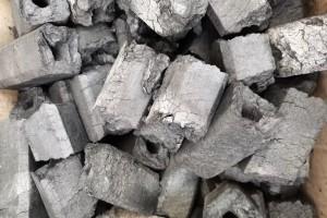 机制木炭原材料是什么?机制木炭的优点有哪些?