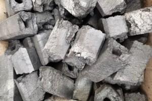 机制木炭价格多少钱一吨?