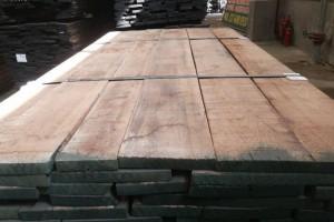 胡桃木和橡木哪个好?胡桃木和橡木两者优缺点比较