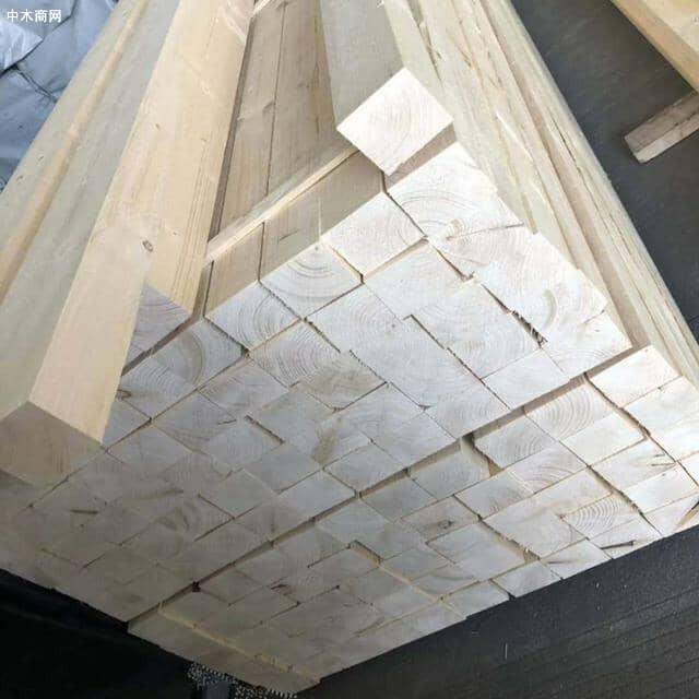 同时松木建筑方木的种类非常之多