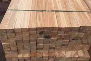 怎么挑选松木建筑方木?