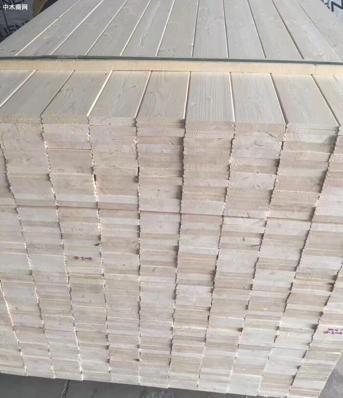 松木木材本身是多孔结构