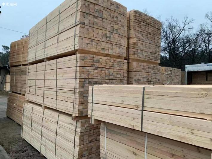 乌克兰樟子松建筑木方的优点