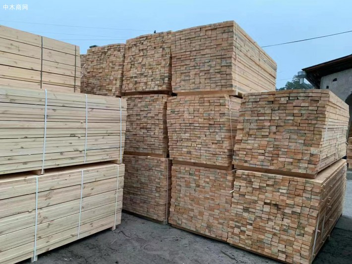 乌克兰樟子松建筑木方图片