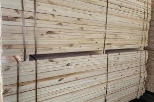 乌克兰樟子松建筑木方加工厂细节图片