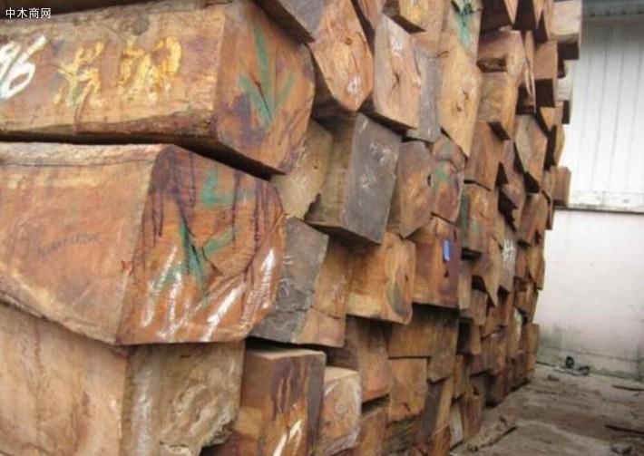 缅甸花梨和老挝花梨哪种木材做家具好