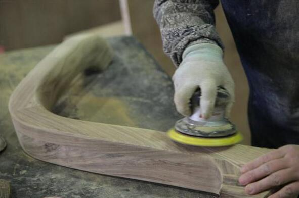 木制家具的涂漆按方式进行分类的话