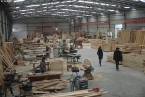 """甘肃兰州市开展""""环保雷霆行动"""" 一木制品厂被现场查封断电"""