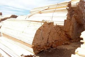 俄罗斯白松木板材高清图片
