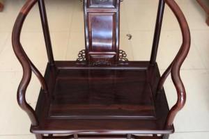 实木家具表面一般使用什么油漆比较好?实木家具抹木蜡油施工方法