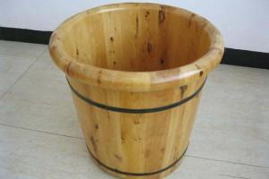 用木浴桶泡澡好不好?