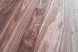 内蒙古天然木皮黑胡桃家具,黑胡桃锯齿纹家具贴面板,木皮饰面板