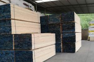江苏太仓建筑木方木材加工厂高清图片