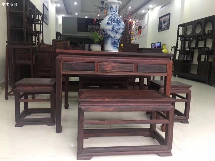 精品大红酸枝条桌五件套收藏品品牌