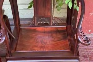 精品大红酸枝圈椅独板细节图视频
