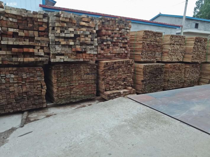 安乡各种木板材,家具料,沙发料,包装料生产厂家批发价格图片