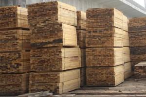 松木烘干板材