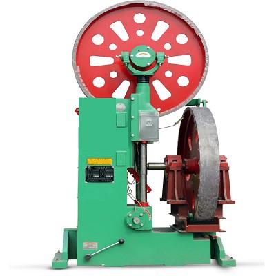 立式木工带锯机现场锯切操作演示视频