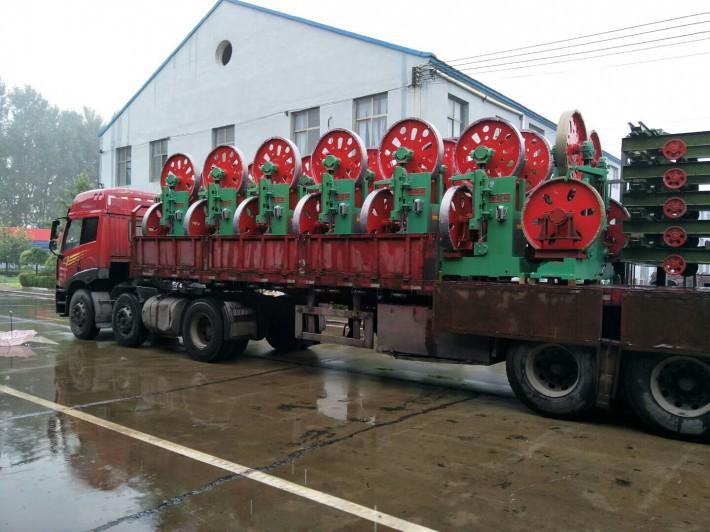 河北瑞福祥机械制造有限公司是一家专业生产木工带锯机