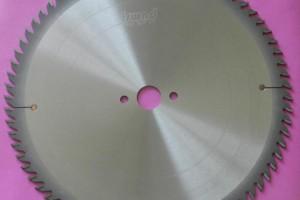 如何正确选择合适的硬质合金圆锯片的系列参数?