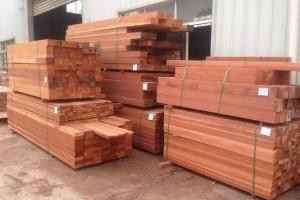 山樟木板材多少钱一吨,山樟木板材纹理,山樟木防腐木工程施工