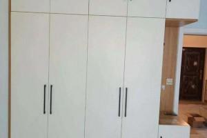 卧室装修衣柜平开门的标准尺寸一般是多少合适?