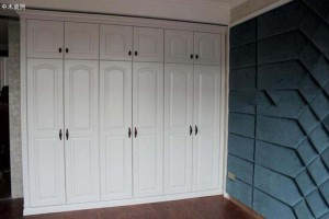卧室装修平开门的衣柜门尺寸如何选择合适?