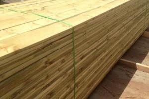 俄罗斯樟子松木板材现货供应