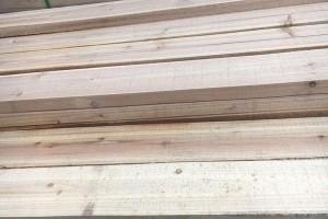 杉木板和生态板哪个好?杉木板做衣柜好吗?