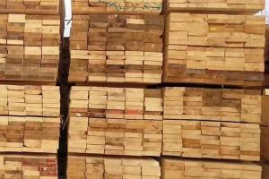 大量供应新西兰辐射松板材,辐射松烘干板材