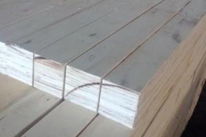 专业生产优质婴儿床护栏条LVL3900元/立方