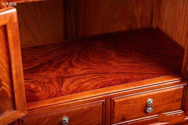 看红木家具的隐蔽部位