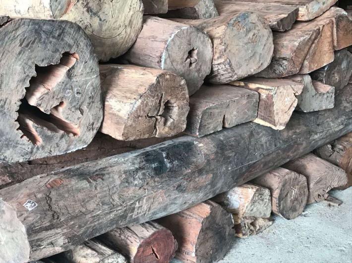 老挝大红酸枝原木大方海关拍卖价格厂家