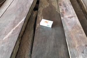 低价供应海关拍卖木材:大红酸枝,黑酸枝,美洲红橡,白腊,花梨