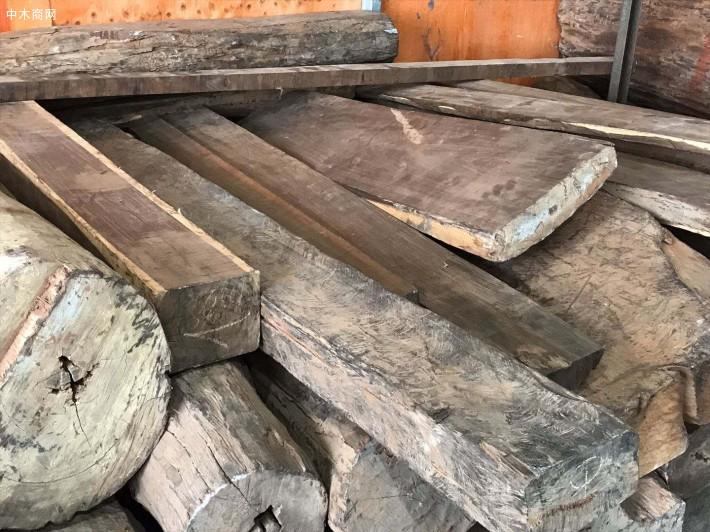大红酸枝原木大方料图片