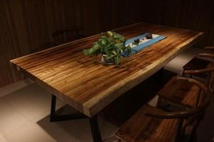 精品小斑马大板桌,实木大板桌长期供应