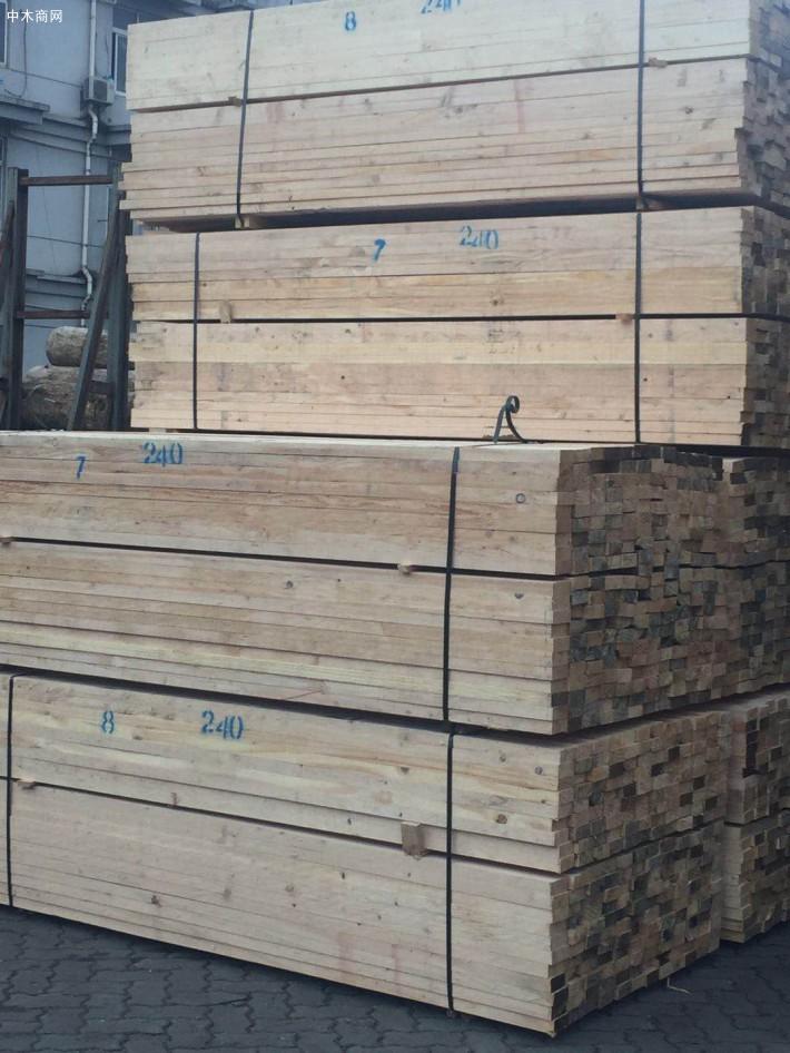 建筑工程用方木规格和尺寸是多少?5×10建筑方木多少钱一根图片