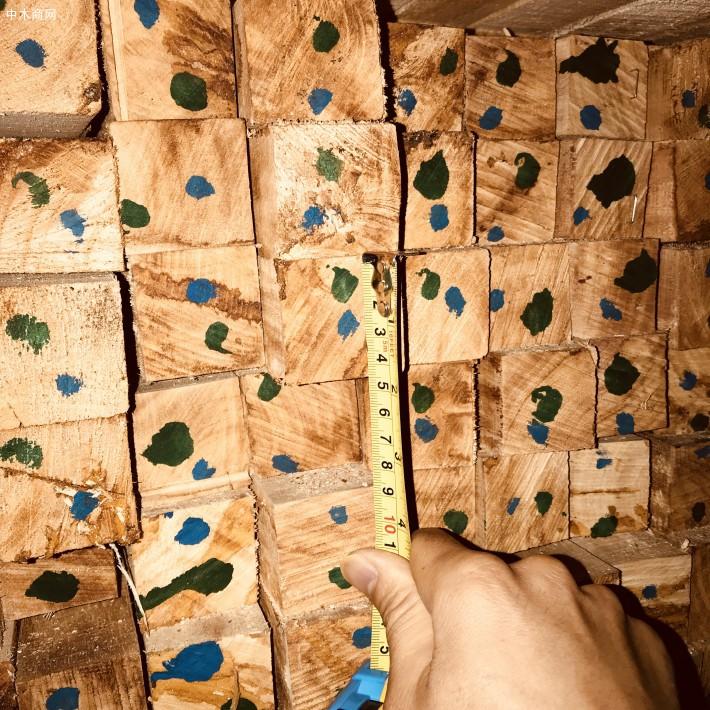 海南橡胶木方条,家具木板材,橡胶木木方,楼梯立柱料,防腐烘干木条品牌