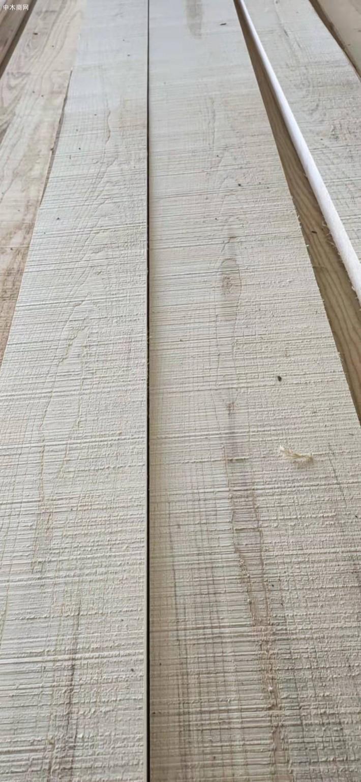 大连中信联合木业美国白蜡木板材高清图片