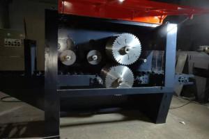 方木多片锯机器的结构特点和使用注意事项?