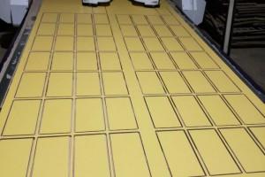 专业切割各种材质板材,激光打标,板材封边,样册粘贴,异型雕刻