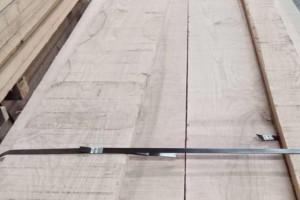 水曲柳实木板材的优点有哪些?