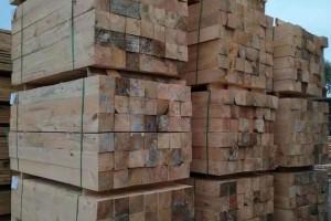 建筑铁杉木方多少钱