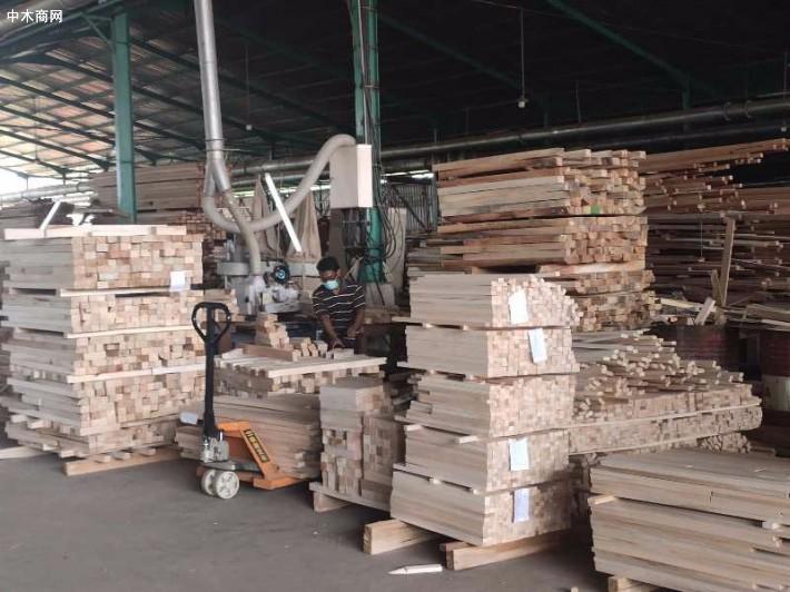 一手长期供应印度尼西亚巴沙木方价格