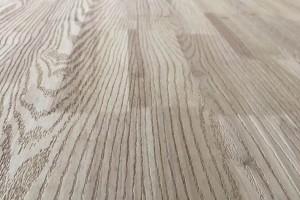 泰国橡胶木指接板压纹板厂家直销