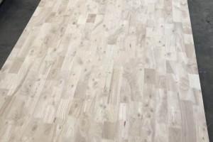 泰国橡胶木指接板活节板厂家批发