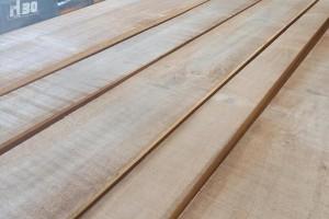 杨木板价格?杨木板材优缺点是什么?