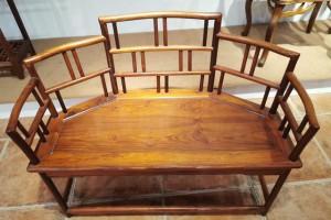 一张回流可以与海南黄花梨媲美的越南黄花梨椅,鬼眼多,太美了