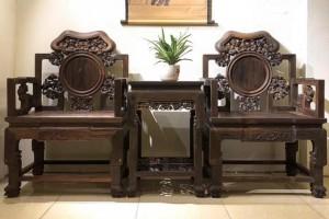 老挝大红酸枝椅子木头是黑红料好不好?