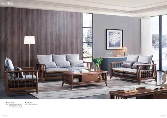 由于环保日益被重视,实木家具开始慢慢增多,其中松木家具占了很大一部分